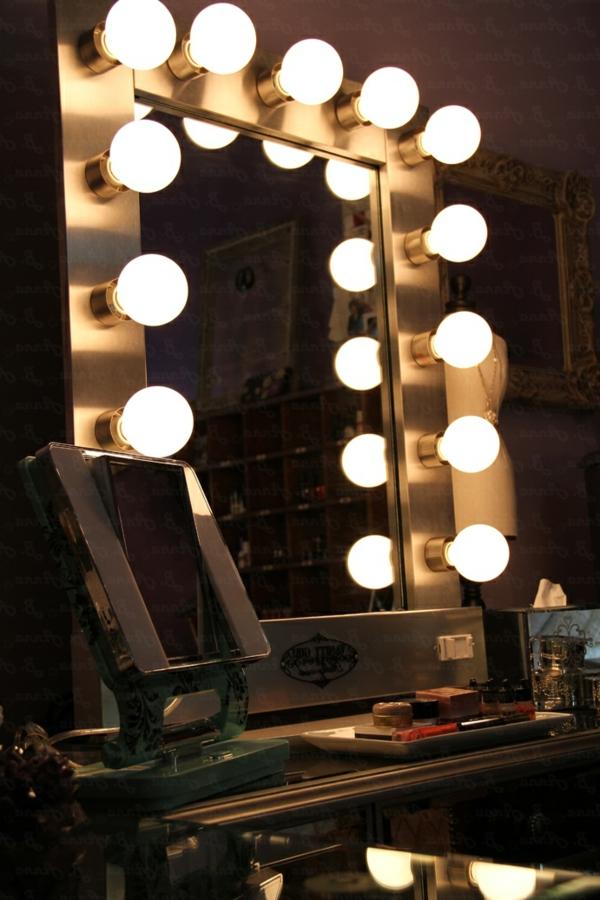 schminkspiegel-mit-leuchten-modernes aussehen