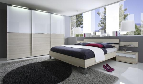 kleiderschranksysteme-fürs-schlafzimmer-in-weiß-und-cremenweiß-