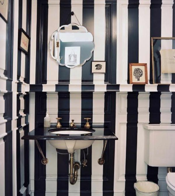 schwarz-weiß-in-streifen-badezimmer