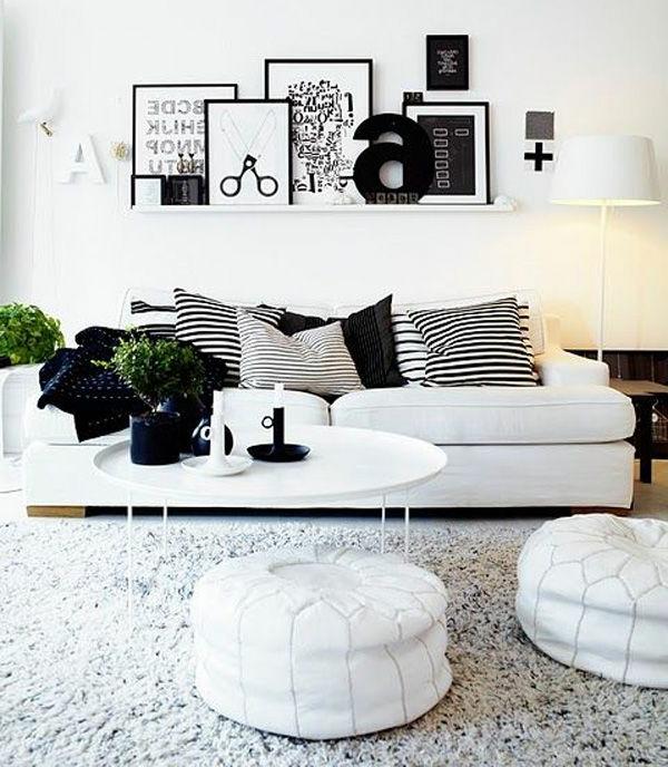schwarz-weiß-in-streifen-kissen-deko