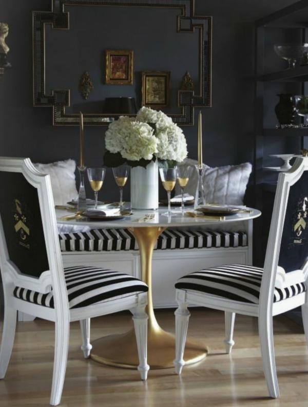 schwarz-weiß-in-streifen-stühle