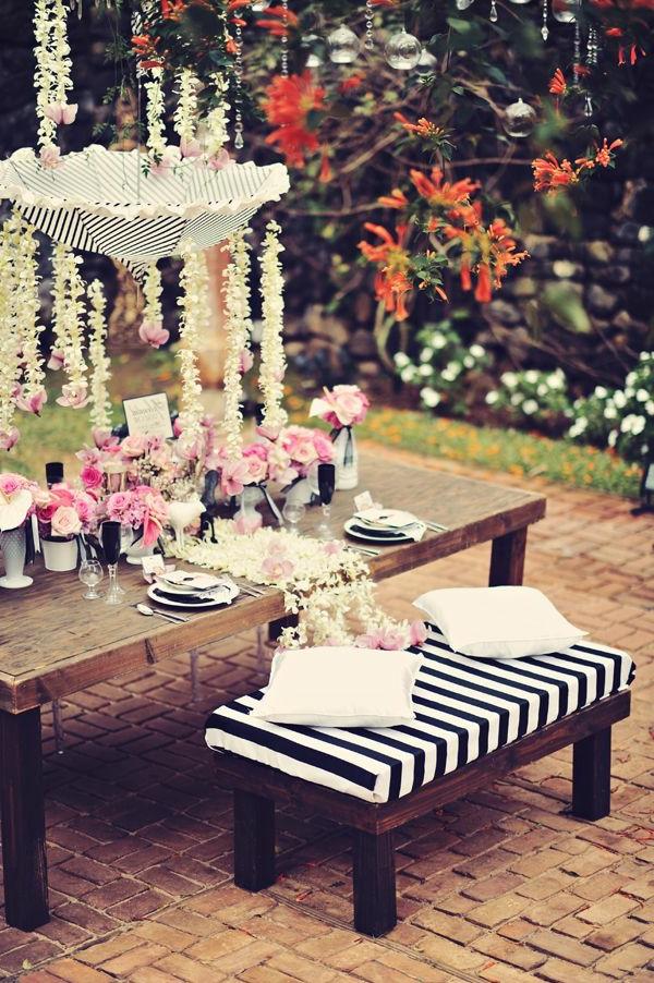 schwarz-weiß-in-streifen-vintage-garten