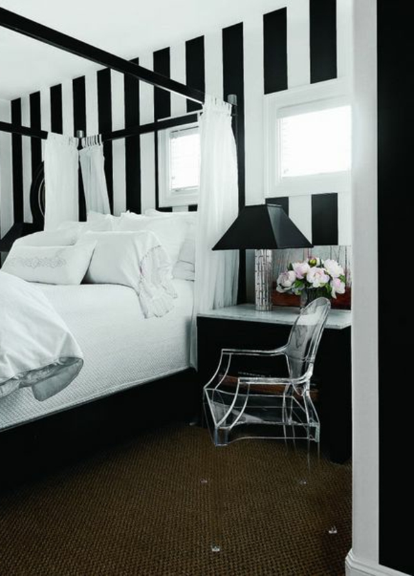 schwarz-weiß-in-streifen-wandgestaltung-schlafzimmer