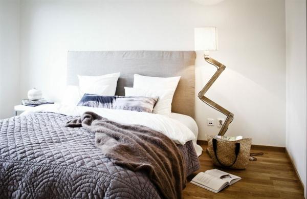 schwedische-möbel-schönes-bett-design-sehr interessante lampe
