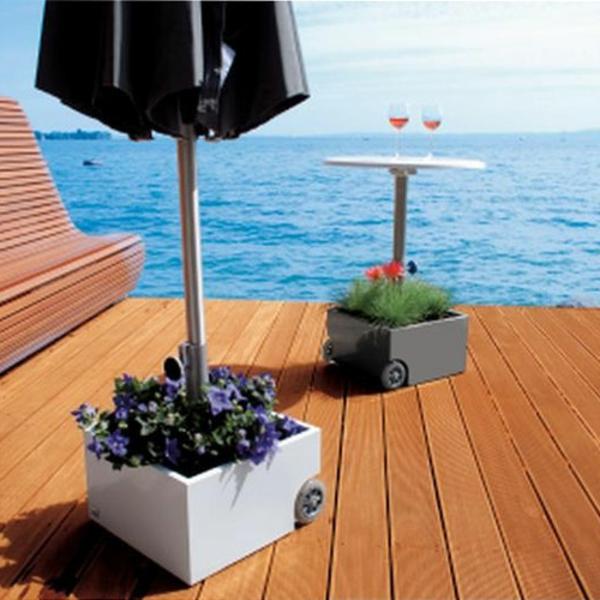 sonnenschirmst nder f r balkon 30 modelle. Black Bedroom Furniture Sets. Home Design Ideas