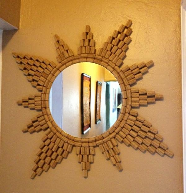 spiegeldekoration-basteln-mit-korken-als-sonne
