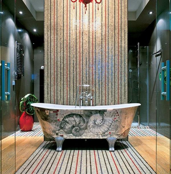 super-elegantes-und-luxuriöses-bad-mit-mosaikfliesen- freistehende badewanne