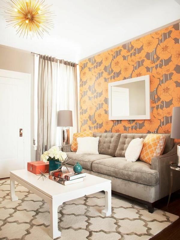 super-schöne-orange-tapete-im-wohnzimmer