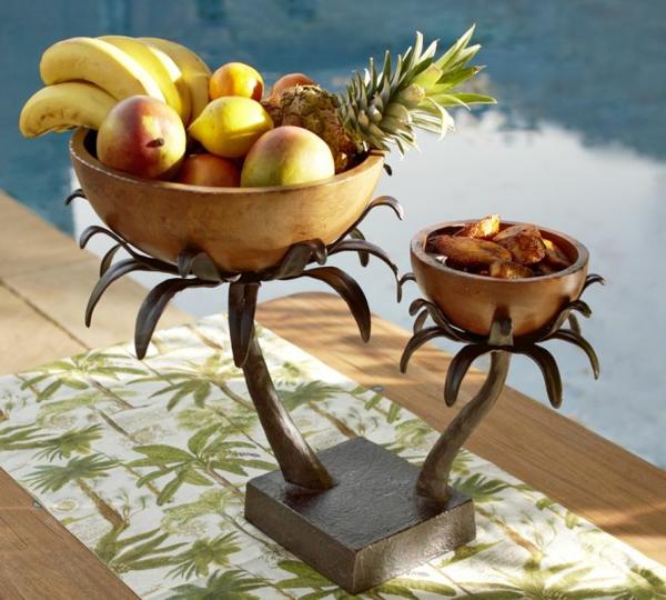 super-interessante-sommerliche-tischdeko- mit vielem obst