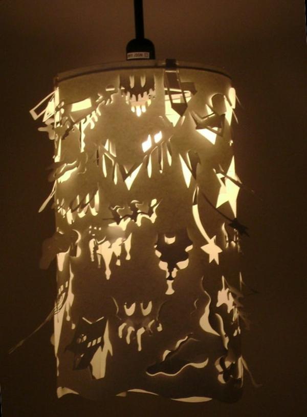 super-interessantes-modell-von-einer-papier-lampe-hintergrund in braun