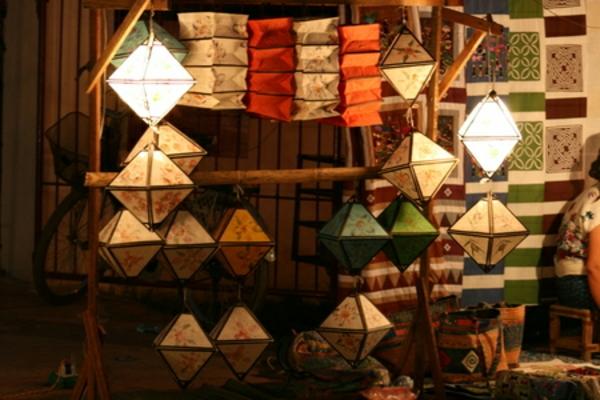 super-schöne-modelle-von-papierleuchten-viele bunte farben