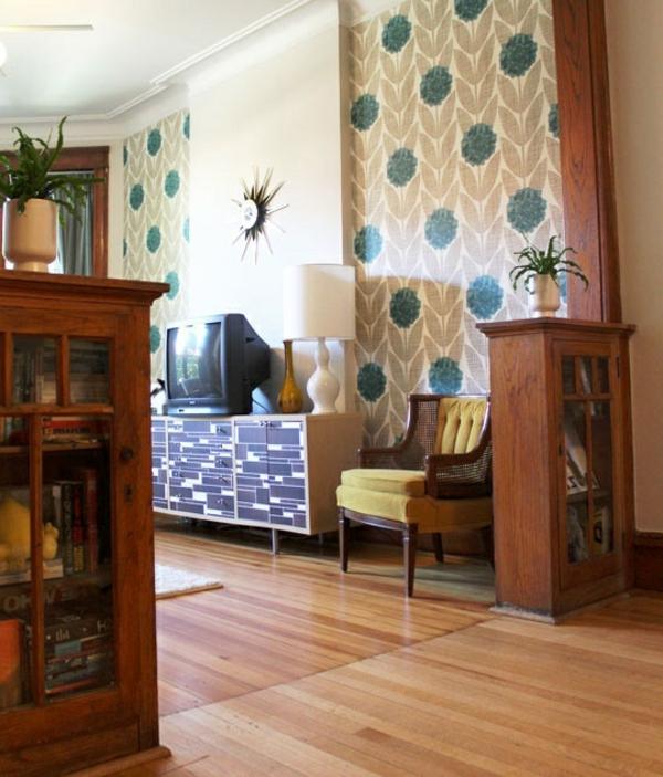 tapete-für-das-wohnzimmer-mit-blumenmotiven-in-Grün