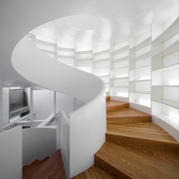 Wei e treppen schlichte und minimalistische einheit for Wohnung ausstatten