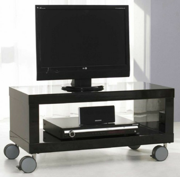 tv-tisch-auf-rollen-schwarze-farbe- weiße gardinen dahinter