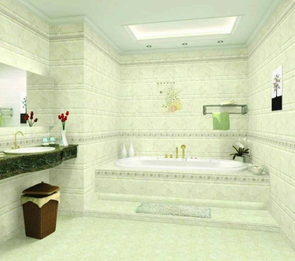 ultramoderne-badewanne-vekleiden-hohe decke und rote blumen als dekoration