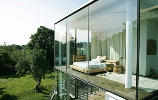 ungewöhnliches-modernes-glashaus- auf drei etagen gebaut