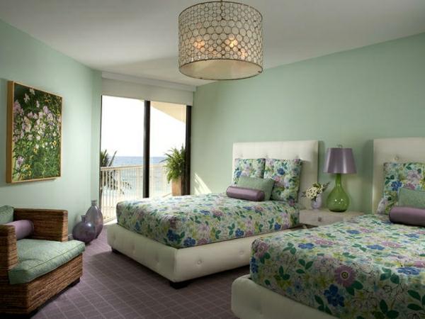 wandfarbe-mintgrün-Gästezimmer-einrichten-stilvolle-Deko-Idee-Wandfarbe-grün