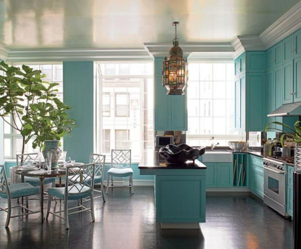 wandfarbe-türkis-und-türkis-möbel-küchengestaltung