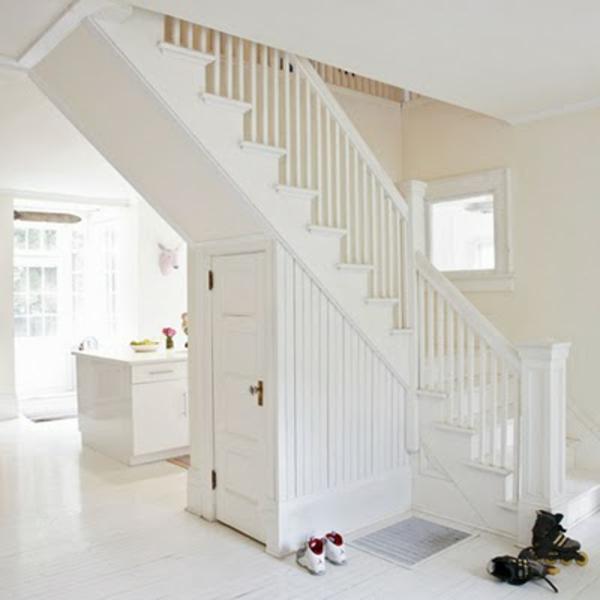 wei e treppen schlichte und minimalistische einheit. Black Bedroom Furniture Sets. Home Design Ideas