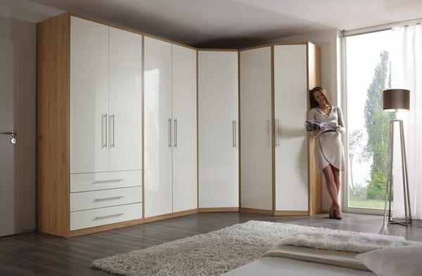 weißer-Kleiderschrank-für-das-schlafzimmer