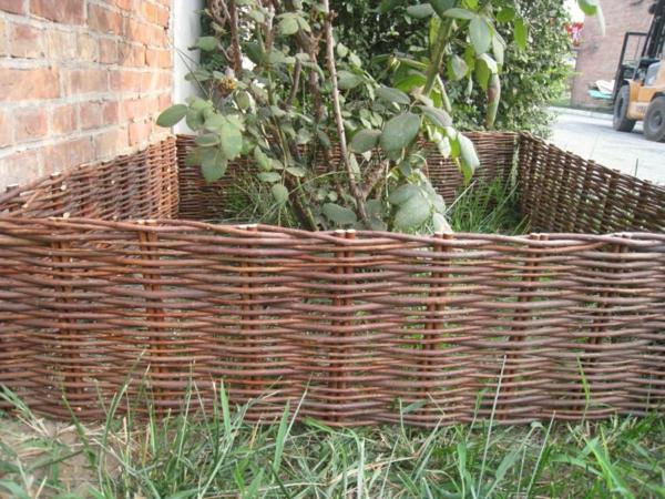 Beliebt Bevorzugt Weidenzaun selber machen für eine natürliche Gartengestaltung #GA_03