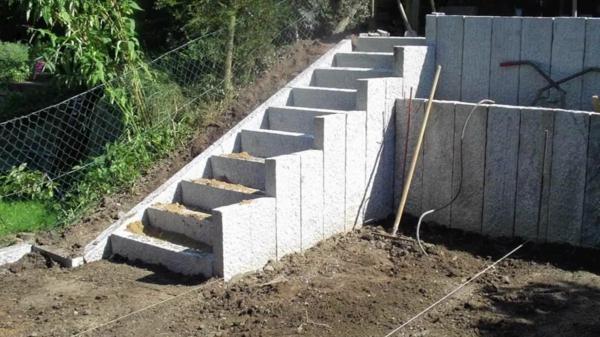 weiße-gartentreppe-selber-bauen- aus stein