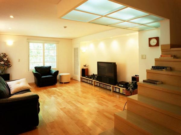 wohnzimmer-lampen-sehr-schön-ein schwarzer sessel