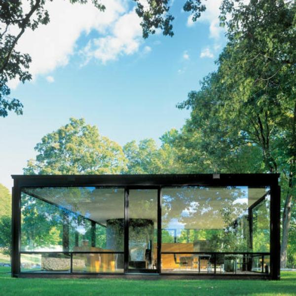 wunderschönes-modernes-glashaus- rein in der natur