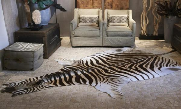 zebrafell-möbel-auf-dem-boden