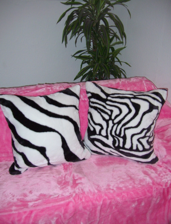 zebrafell-möbel-dekokissen