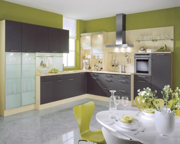 zimmergestaltung -ideen-moderne-Küche-weiss-grünn-braun-Farben-aus-der-Natur