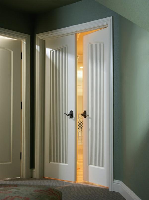zimmertüre-in-weiß-wunderschönes-design- schöne wände zwischen grün und grau
