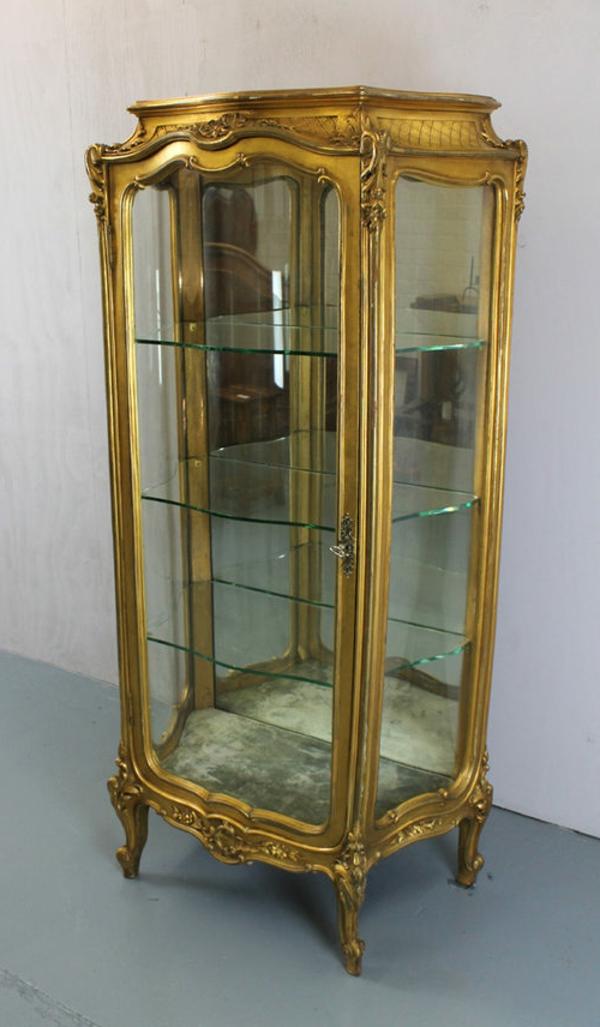 Antikes -Model-aus- Glas.
