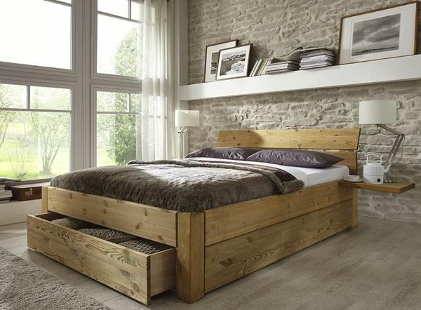 elegantes-doppelbett-mit-zwei-nachtlampen-aus holz