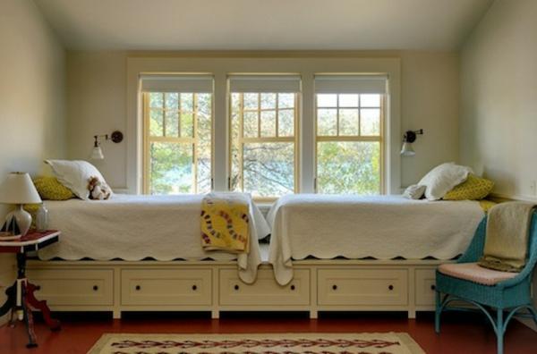 elegantes-doppelbett-mit-dem-Lager