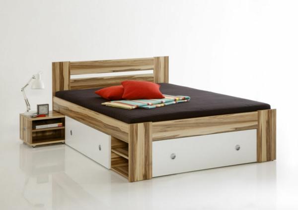 Doppelbett-mit weissen-Schubladen
