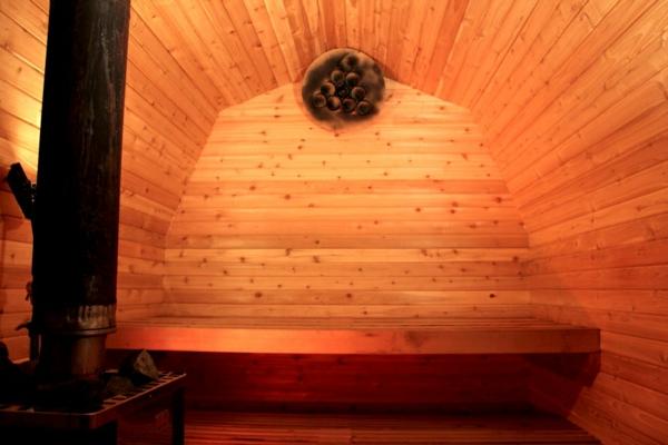 Garten-Sauna-Holz-schön-hell