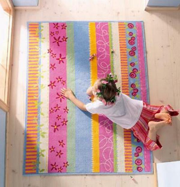 HABA-Teppich-bunt-und-fein