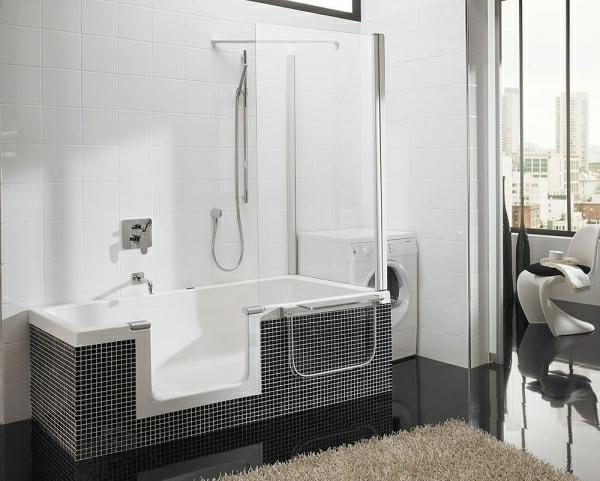 Badewanne-für-kleines-Badezimmer-walk-in-dusche-schwarze-Fliesen