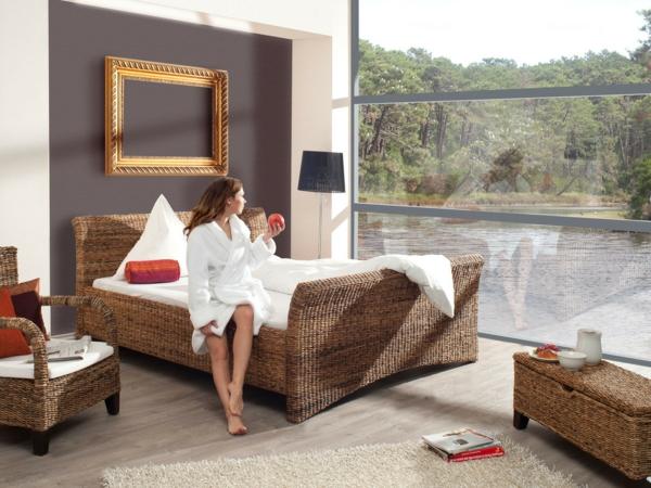 moderne-Betten-Bananenblatt-im-Schlafzimmer