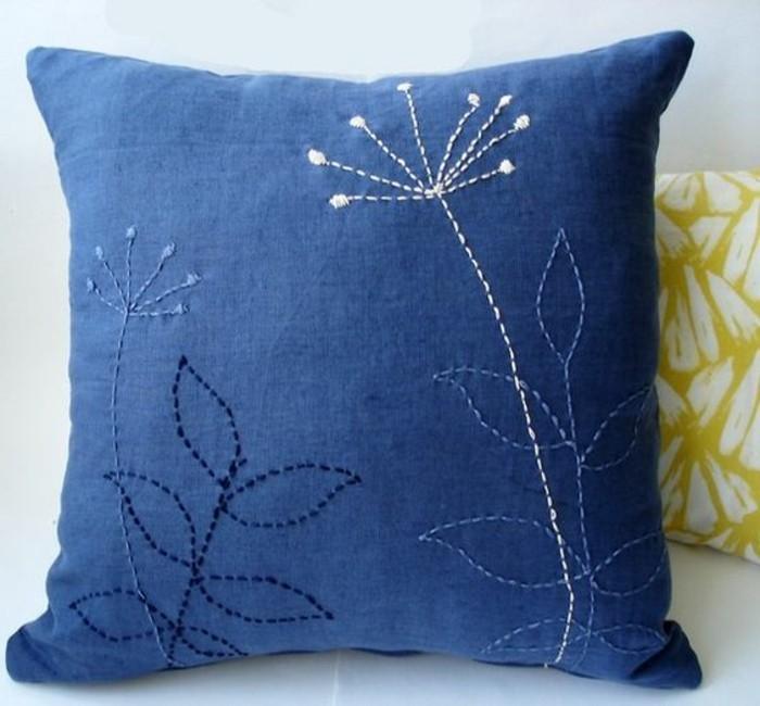 Blaue-Kissen-selbst-die-Dekoration-nähen