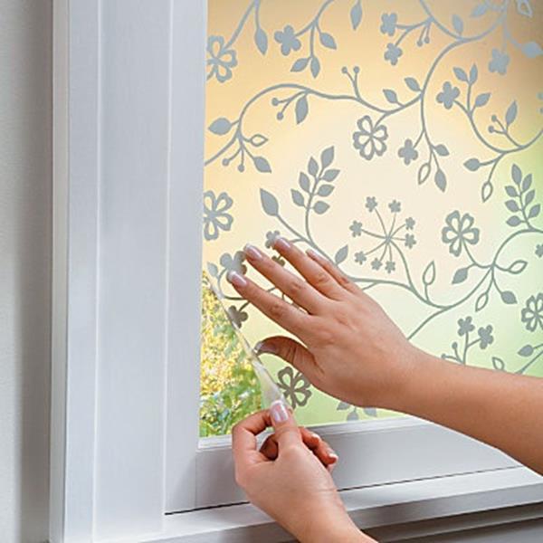 Blumenmotive-Sichtschutzfolie-für-das-Badezimmer-Idee