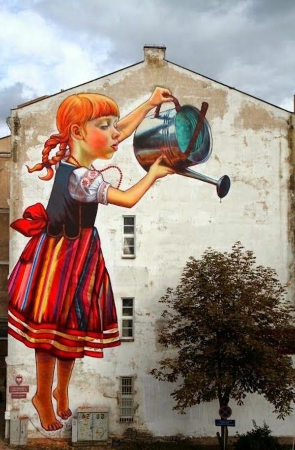originelle-Wandbilder-fassadenart-Mädchen