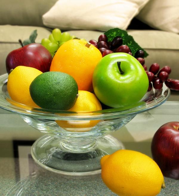 Dekoration-aus-Obst-für-den-Tisch-Dekoidee-Künstliches Obst