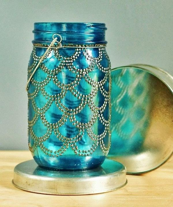 Dekoratives-Glas-in-Blau-und-Golden-Glas-Deko