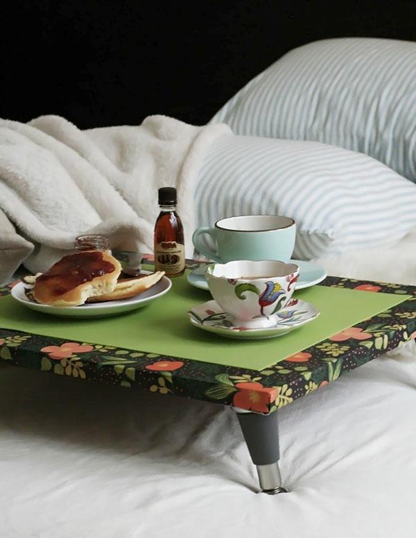 Frühstücken-im-Bett-tolles-Tablett-in-Grün
