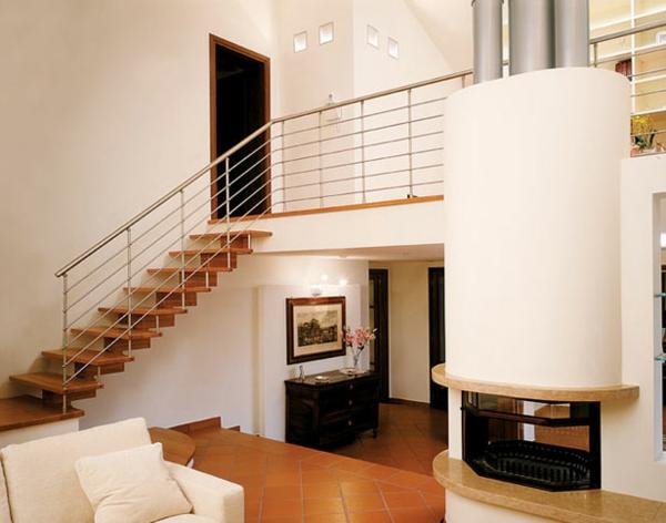 Hochwertig Tolle Freitragende Treppe Aus Holz Im Wohnzimmer
