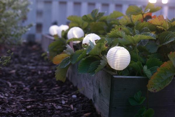 Gartenleuchten-solar-kugeln-gartenlampen-aus-papier