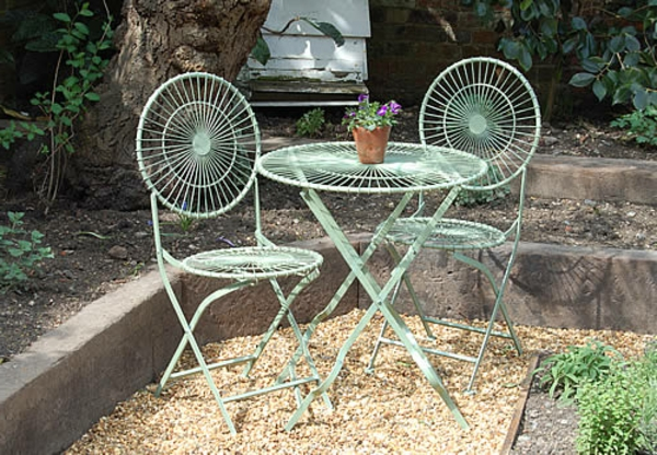 interessante-Gartenstühle-Metall-mit-interessantem-Design