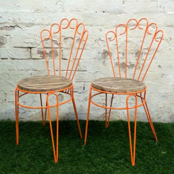 toller-Gartenstuhl-Metall-in-Orange